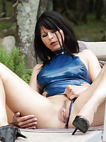 Blue latex and some cunny play from Desyra Noir