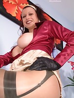 pantyhose on nlyons and scarf-wanking